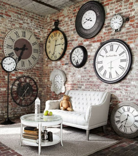 Ideas-Wall-Decor-Design-with-Big-and-Small-Clock.jpg