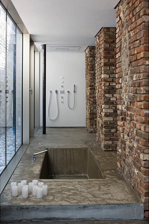 Unique-Bathtub-Combined-with-Brick-Walls-were-Preserved.jpg