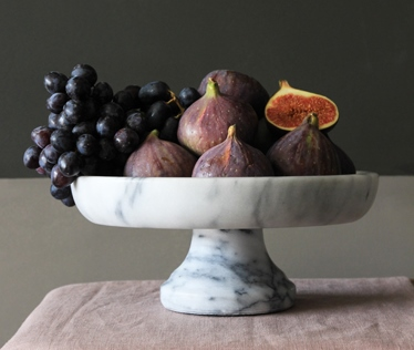 solid-marble-serving-dish-on-stand-32498-p.jpg