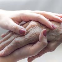 Véleményvezérek is kiálltak a Magyar Hospice Alapítvány mellett