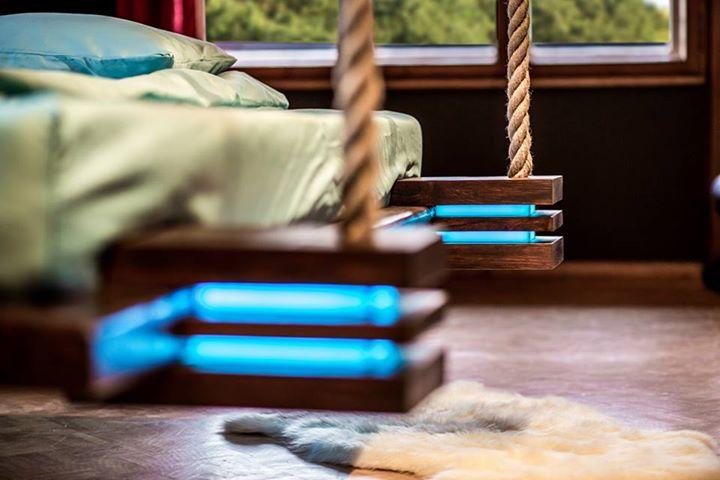 hanging-bed-designed-by-wiktor-jazwiec-led-closer-look.jpg