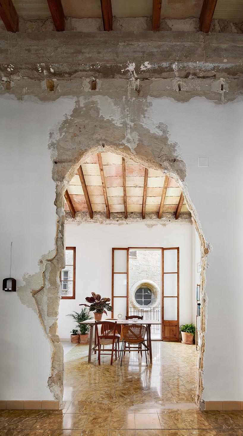 sant-miquel-carles-oliver-designboom-1.jpg