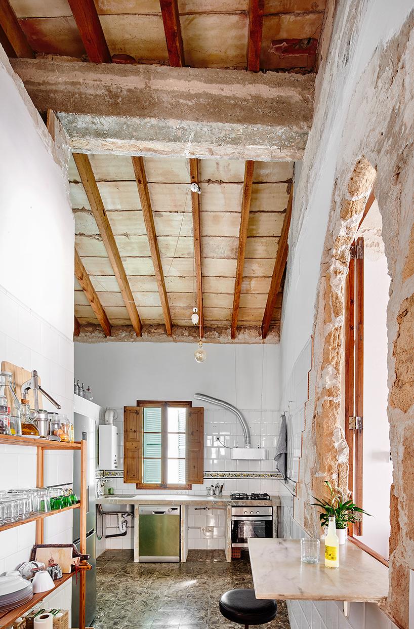 sant-miquel-carles-oliver-designboom-3.jpg