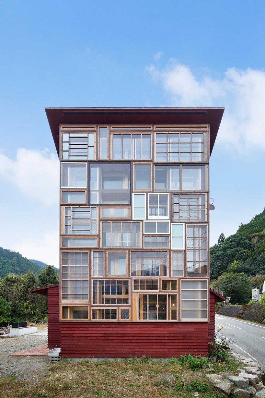 hiroshi-nakamura-nap-architects-kamikatz-public-house-micro-brewery-japan-designboom-03.jpg