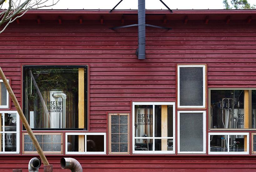 hiroshi-nakamura-nap-architects-kamikatz-public-house-micro-brewery-japan-designboom-05.jpg