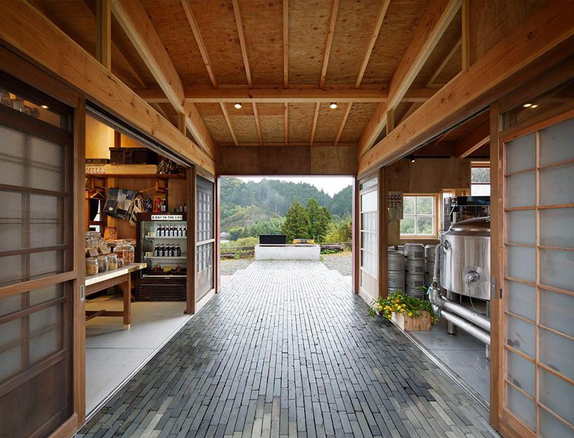 hiroshi-nakamura-nap-architects-kamikatz-public-house-micro-brewery-japan-designboom-06.jpg