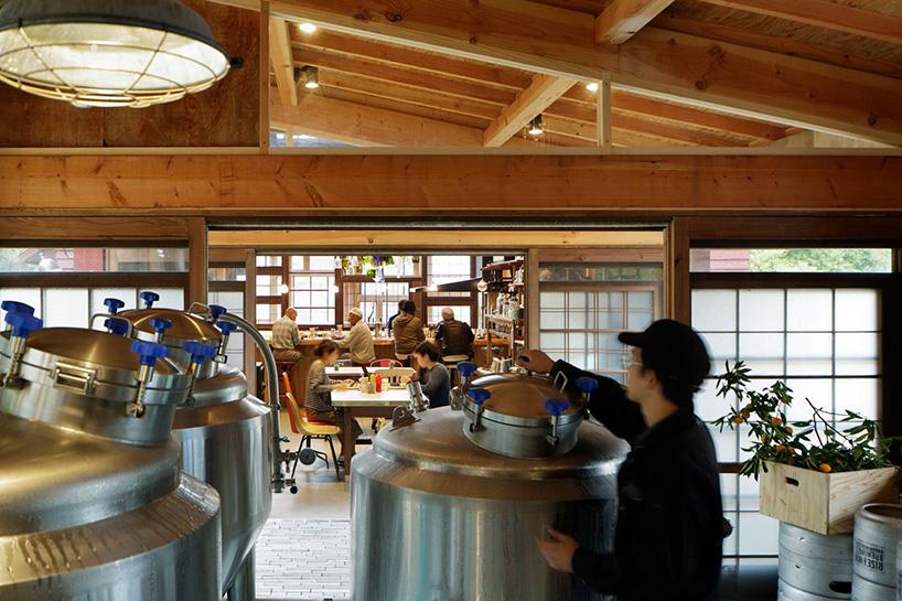 hiroshi-nakamura-nap-architects-kamikatz-public-house-micro-brewery-japan-designboom-09.jpg