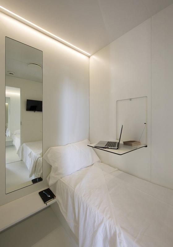 capsule-hotel-naples-4.jpg