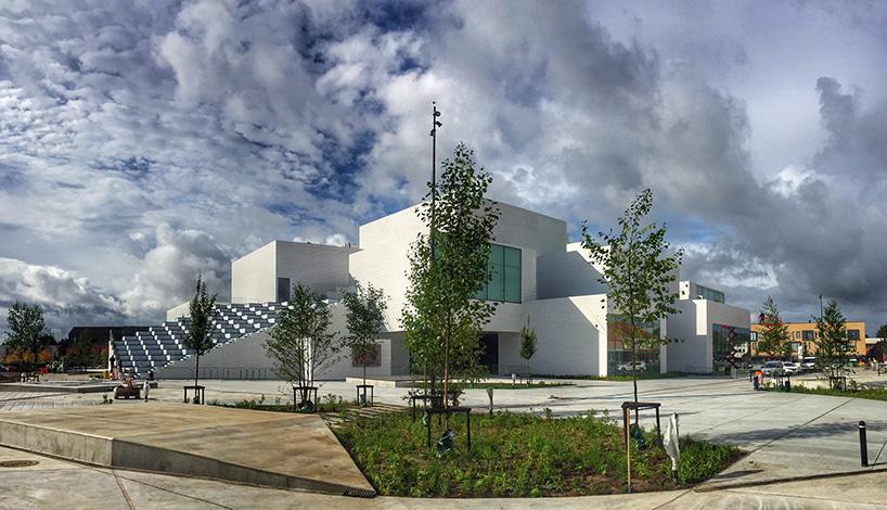 lego-house-bjarke-ingels-group-big-museum-billund-denmark-designboom-03.jpg