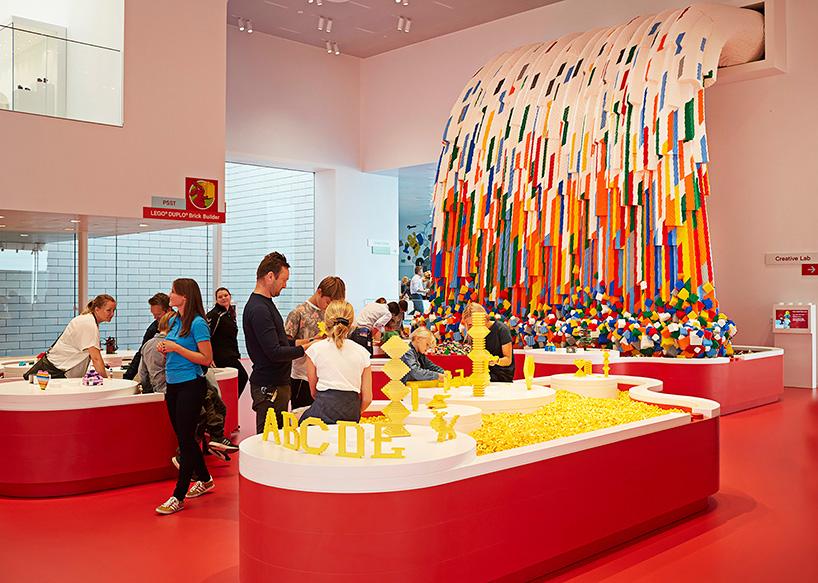 lego-house-bjarke-ingels-group-big-museum-billund-denmark-designboom-08.jpg