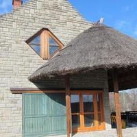 Közeleg a nyár! Egyre több ingatlanhirdetés között böngészhetsz a Balaton partján!