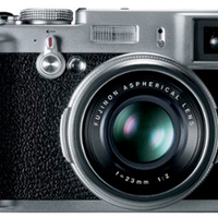 "Some Fuji x100 ""insider information"" (photorumors.com)"