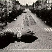 500 000, és a legelső bejegyzés - Josef Koudelka