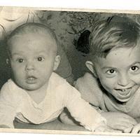 Családi képek - Bátyám és én [2]