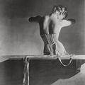Ikon - Horst P. Horst: Mainbocher fűző (1939) [1]