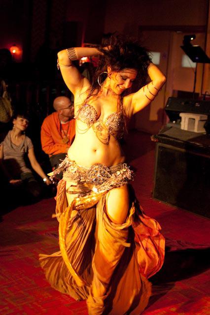 belly goddess2.jpg
