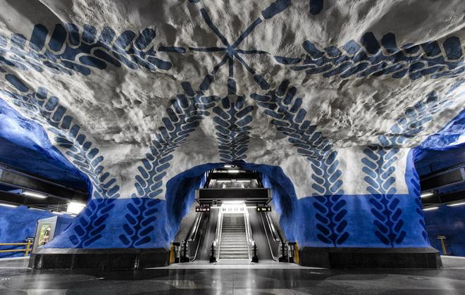 stockholm-metro-02.jpg