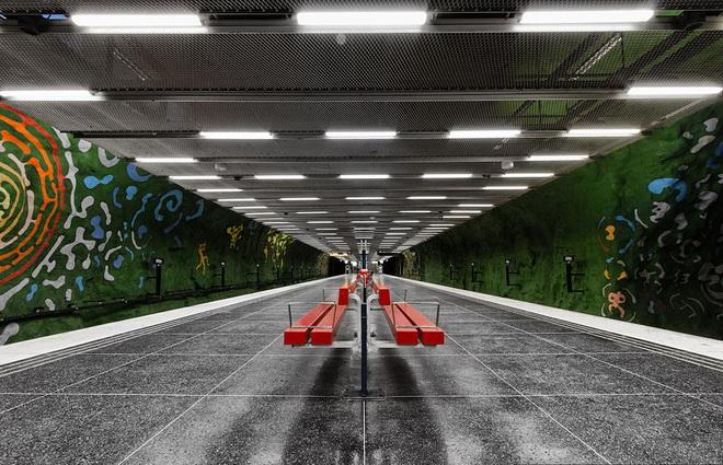 stockholm-metro-04.jpg