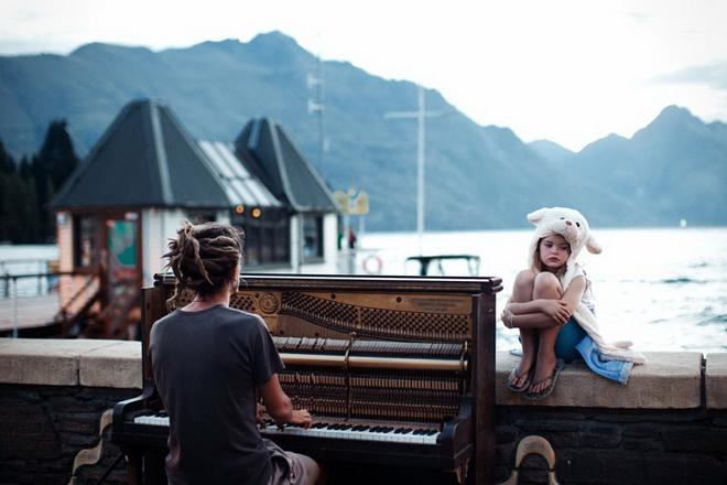 piano-play-at-sunset.jpg