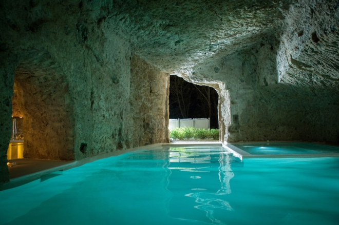 house-with-underground-caverns-domus-civita-studio-f-fradiani-italy-10.jpg