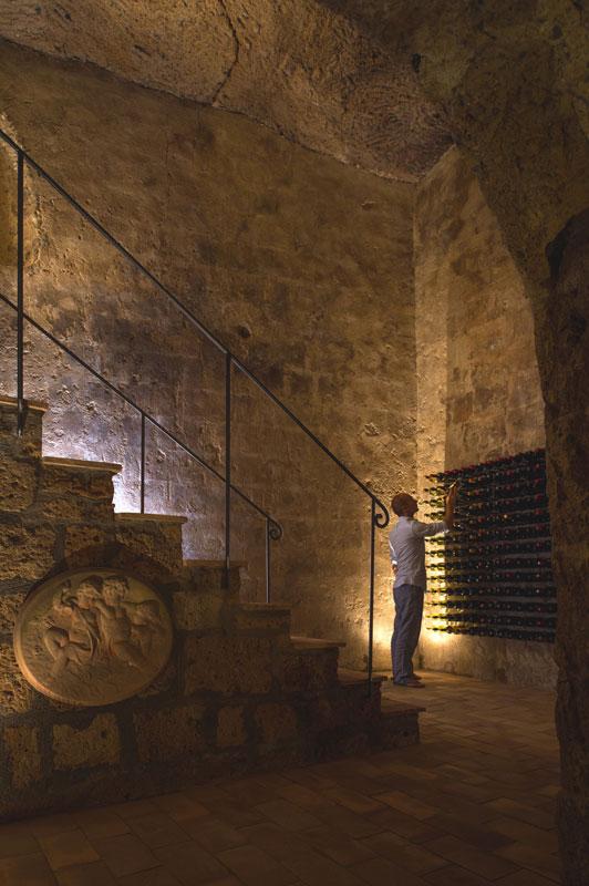 house-with-underground-caverns-domus-civita-studio-f-fradiani-italy-5.jpg