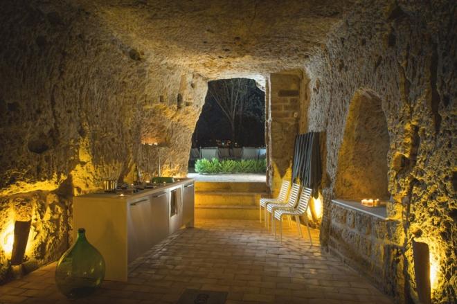 house-with-underground-caverns-domus-civita-studio-f-fradiani-italy-7.jpg