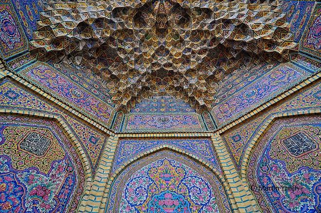 nasir-al-mulk-mosque-shiraz-iran-10.jpg