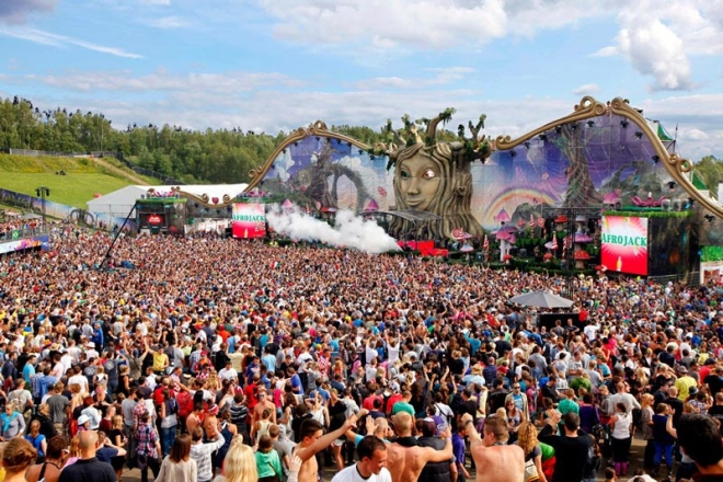 tomorrowland-music-festival-stage-belgium-14.jpg