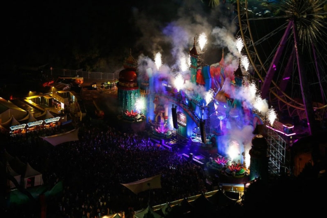 tomorrowland-music-festival-stage-belgium-15.jpg