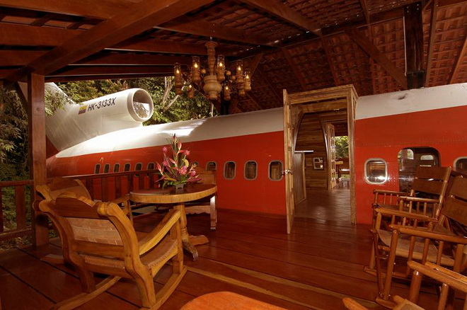 airplane-hotel-room-conversion-costa-rica_002.jpg