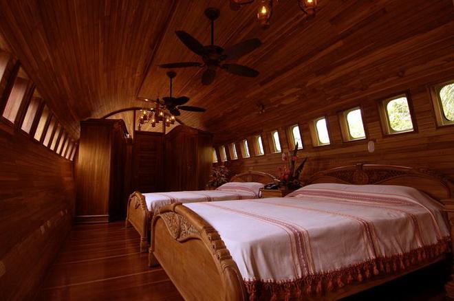 airplane-hotel-room-conversion-costa-rica_004.jpg