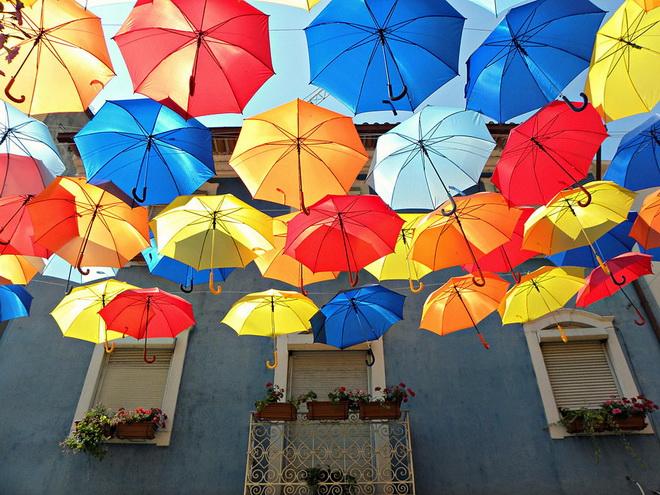 szines-esernyok-agueda-portugalia-2013-01.jpg