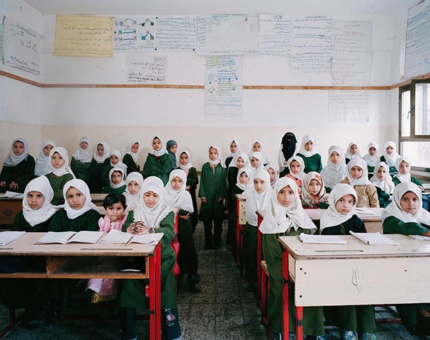 yemen-manakha-primary-year-2-science-revision-classroom-portraits-julian-germain.jpg