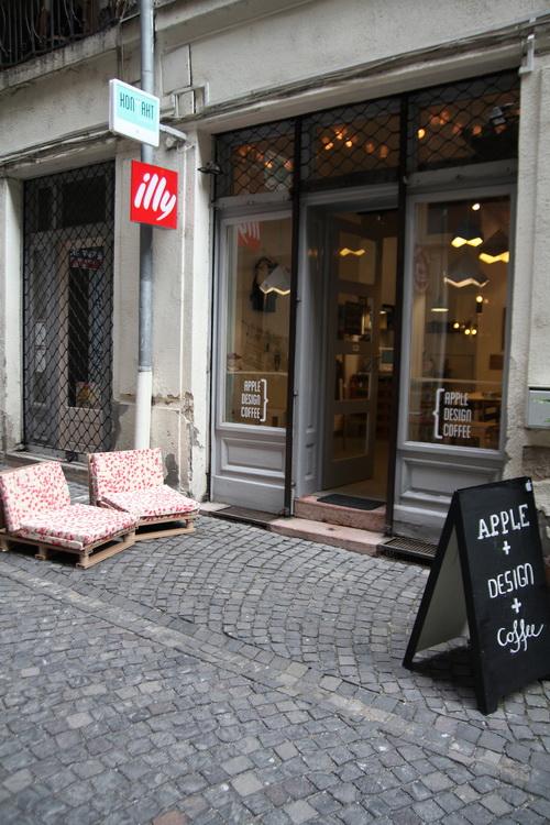 Kontakt Caffe