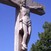A fejbelőtt Krisztus ürügyén.