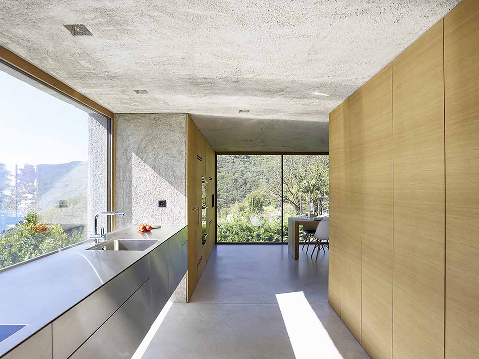 interiorlines_hu_homes_to_inspire_wespi_de_meuron_house_in_brissago_3.jpg