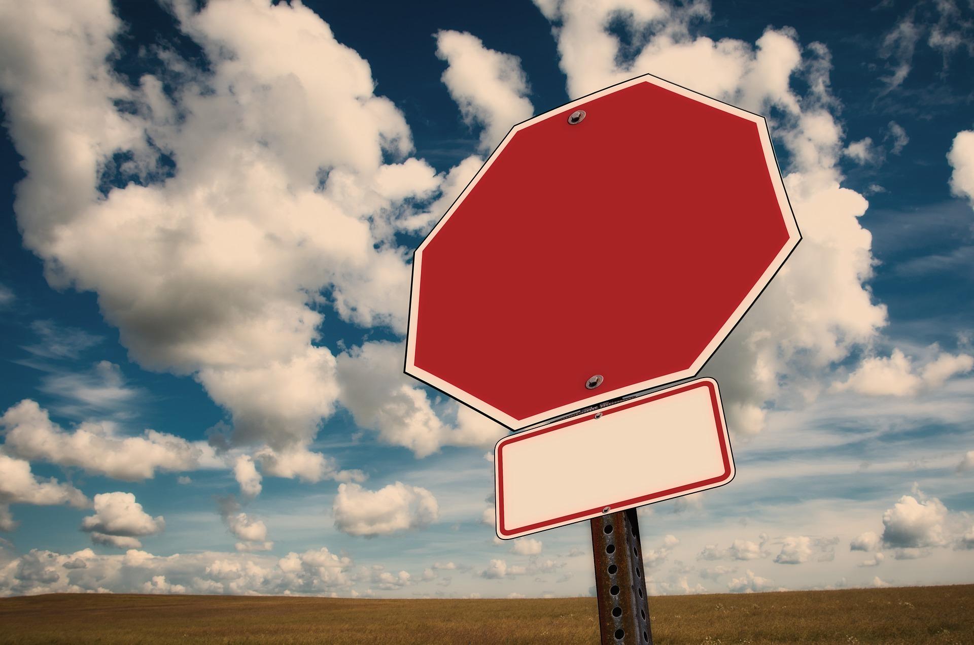 Amikor pl. vörös stoptáblával az ágyékodon várod a horvát autómentőt...