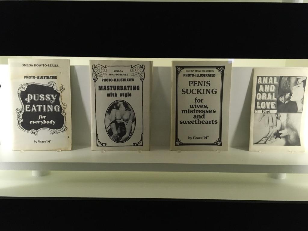 Ismeretterjesztő szakirodalom a 20. század közepéről.