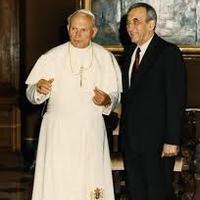 A kapitalista miniszterelnök, akinek első útja a pápához vezetett