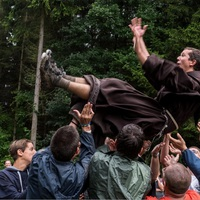 Lesifotók a szerzetesek titkos életéről