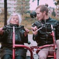 Idősek otthonába költöznek a holland fiatalok - és mindenki jól jár ezzel!