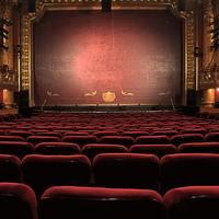 Mit tud a színház, amit a sorozatok nem? Ezért járj színházba!