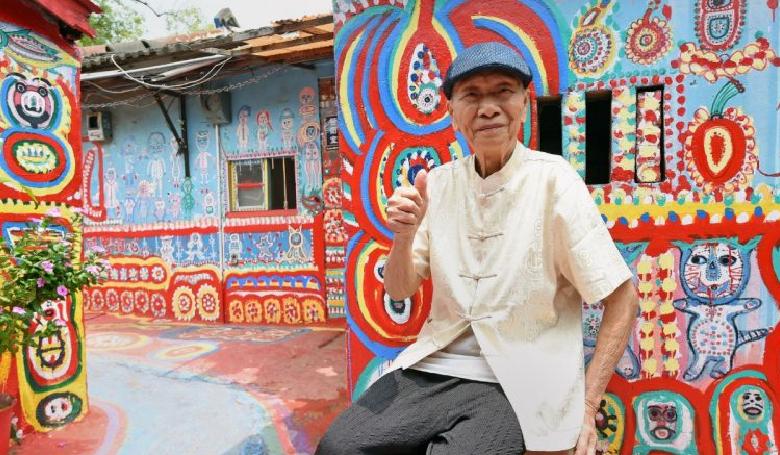 Szivárvány-nagypapa megmentette a falut