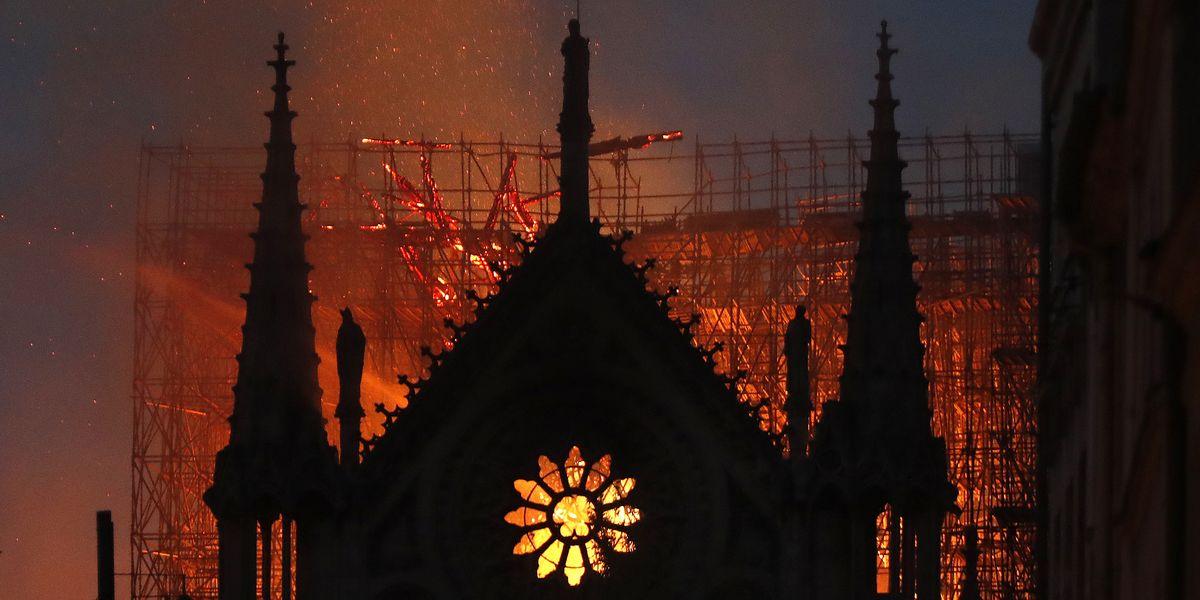 Főnixként éledhet újjá a kereszténység?