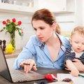 Miért nem facebookoznak a boldog anyukák?