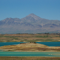 Chadegan lake between Bakhtiari and Esfahan province
