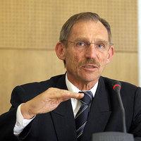 A Belügyminiszter válasza Szél Bernadettnek a közfoglalkoztatási bérekről.