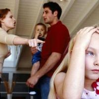 Ertsey Katalin kérdése az családon belüli erőszakról