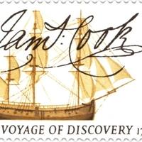 Cook kapitány aláírása első útjának emlékbélyegén