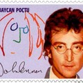 Emlékbélyeg John Lennon önarcképével és aláírásával